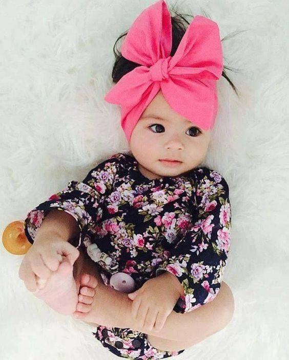 عکس نوزاد دختر بامزه و خوشگل