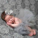 عکس نوزاد دختر با لباس تورتوری