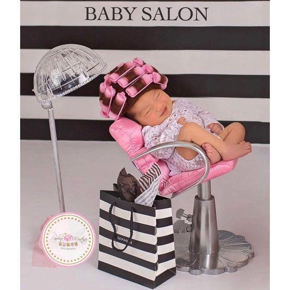 عکس نوزاد دختر شیرین و بامزه
