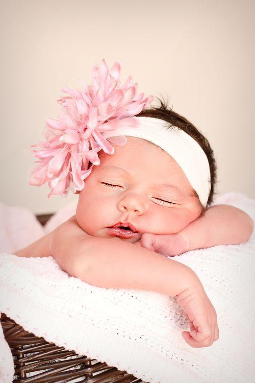 عکس نوزاد دختر تازه متولد شده