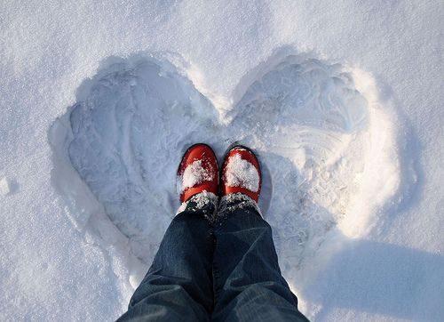 تصویر زیبا از قلب برفی عاشقانه و رمانتیک