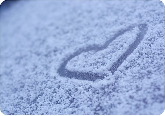 عکس قلب روی برف
