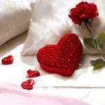 عکس قلب و گل رو تخت