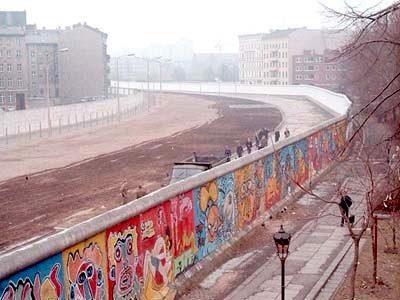 مهترین رویداد تاریخ جهان فروپاشی دیوار برلین