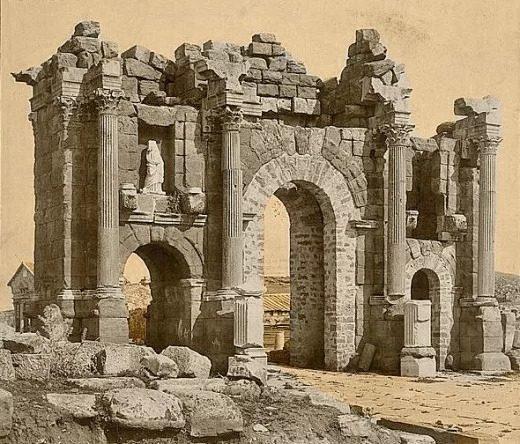 مهمترین رویداد تاریخی جهان : Roman archway