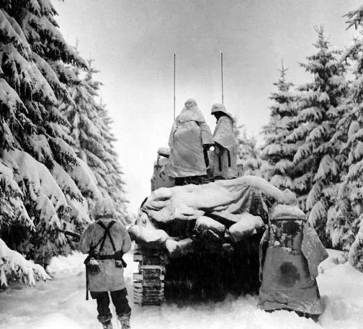 تصویری از نبرد سربازان جنگ جهانی دوم در برف