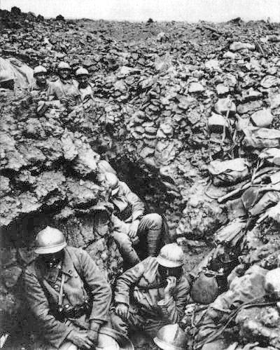 تصویری از سربازان فرانسوی در سنگر در جنگ جهانی اوبل