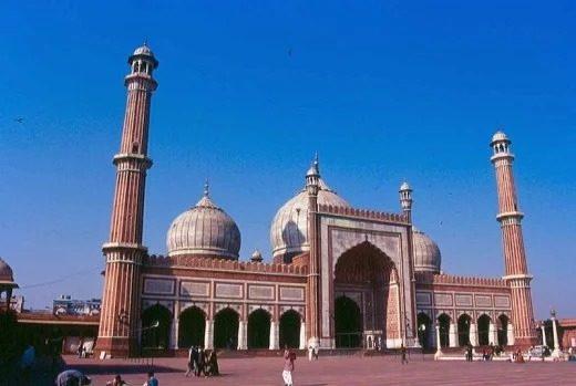10 واقعه مهم تاریخ جهان : ساخت مسجد