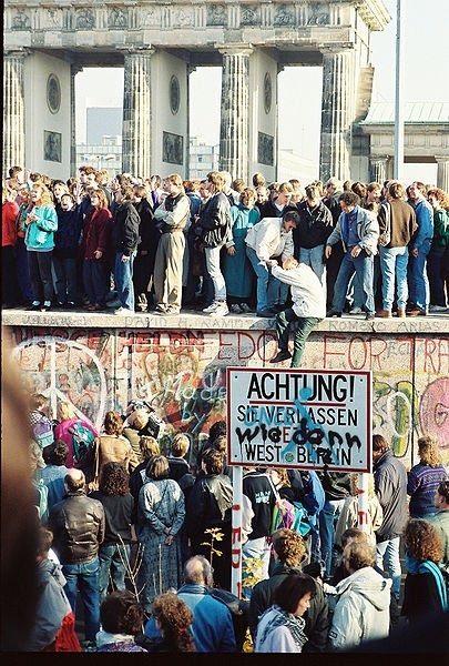 10 رویداد مهم در تاریخ جهان : فروپاشی دیوار برلین