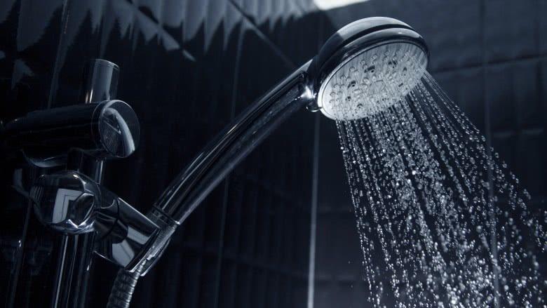 کارهایی که برای حفظ سلامت پوست نباید انجام داد: دوش گرفتن با آب گرم