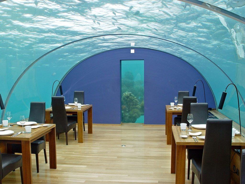 رستوران ITHAA UNDERSEA در مالدیو