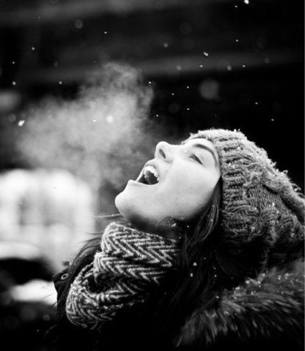 ژست عکس دخترانه در برف