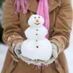ژست عکس گرفتن در برف با ادم برفی