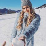 قلب برفی زیبا برای پروفایل زمستانی