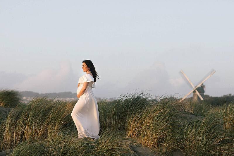 شیک ترین مدل عکس بارداری تکی زیبا در طبیعت