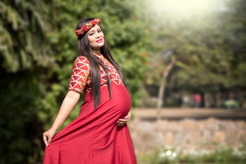 خاص ترین مدل عکس بارداری تکی با کلاس