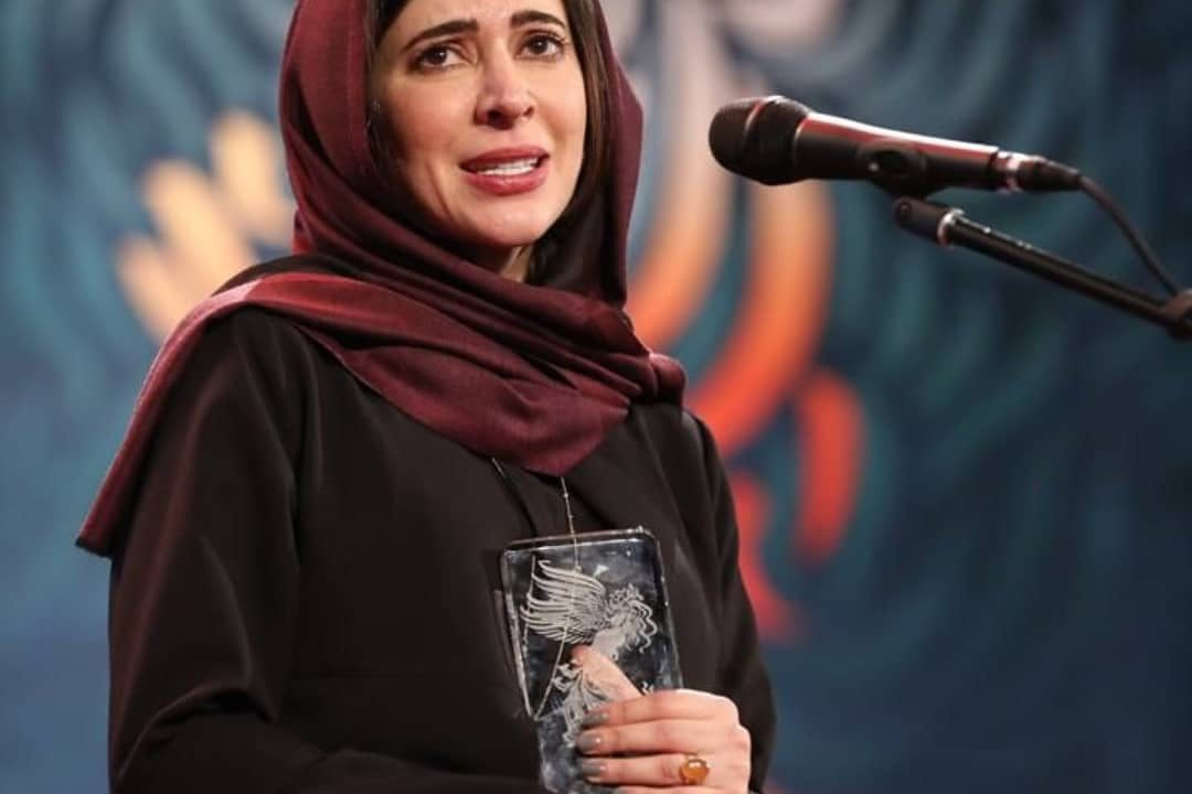 عکس نازنین احمدی در اختتامیه جشنوراه فیلم فجر 98