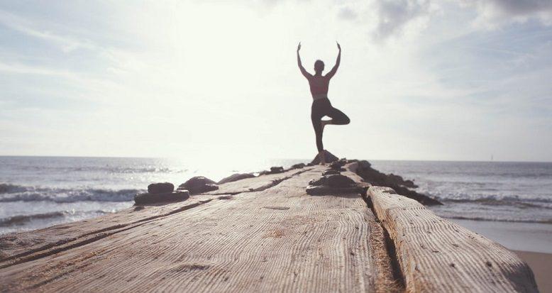 علائم کمبود ویتامین B12: تغییر در تحرک و حفظ تعادل