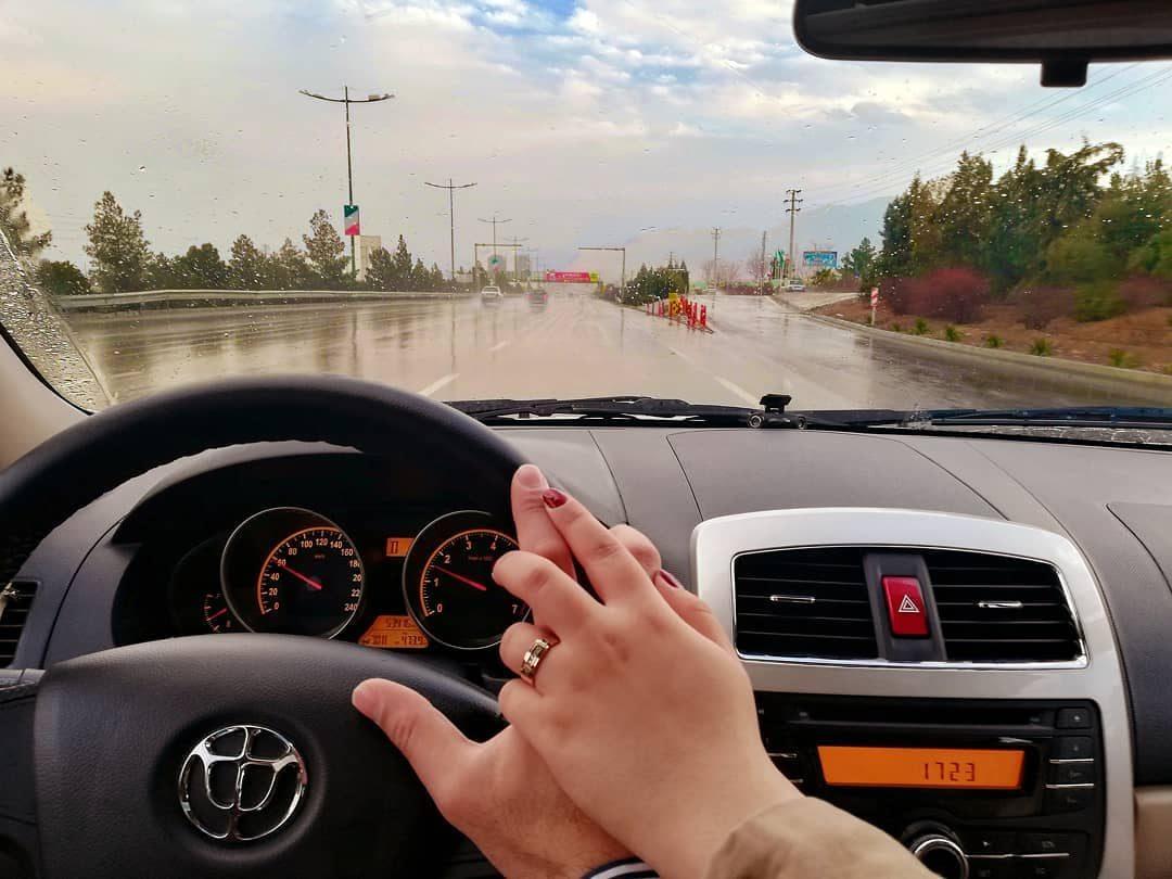 عکس دست تو دست تو ماشین ایرانی