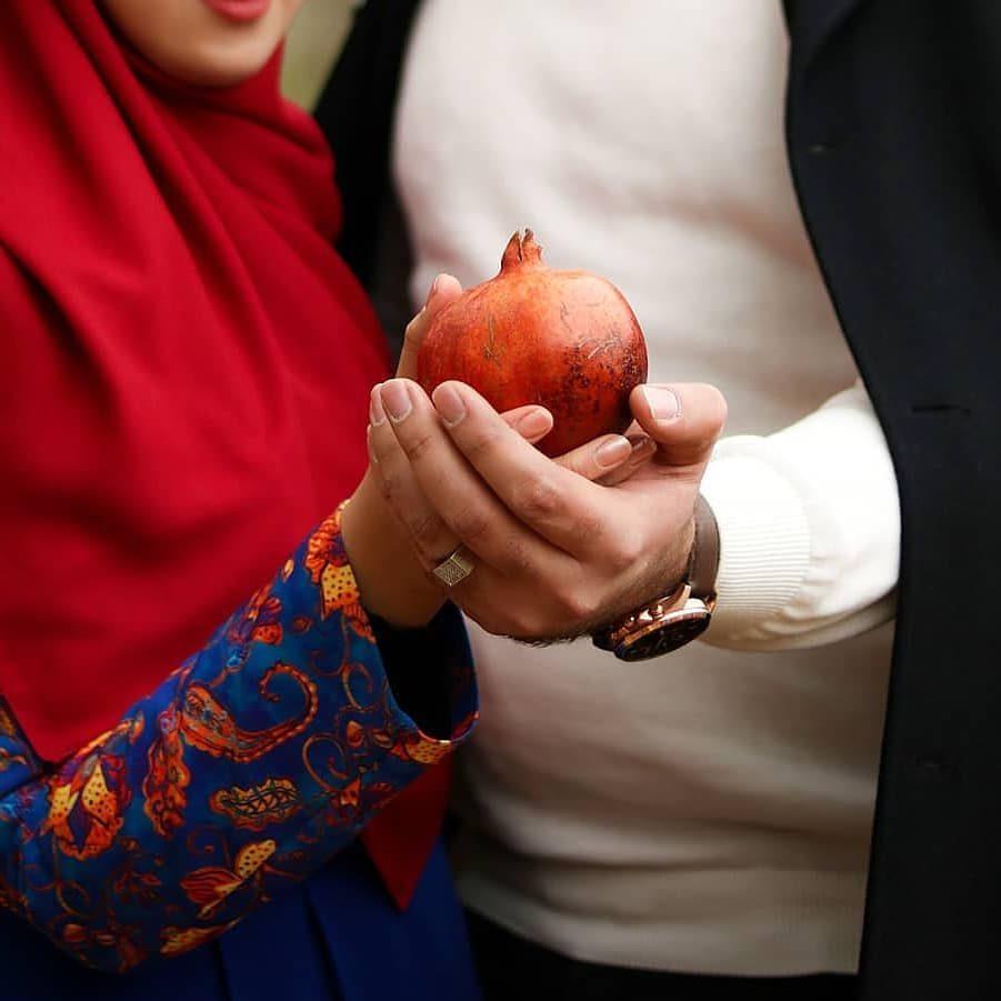 عکس دست تو دست ایرانی