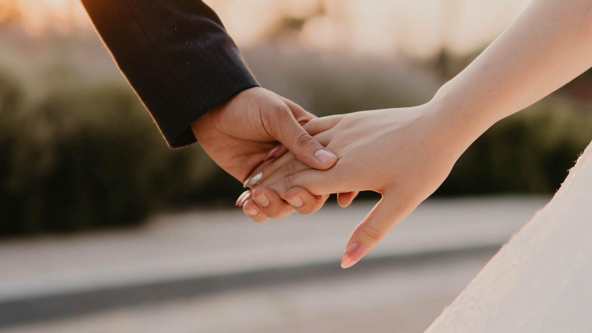 عکس عاشقانه پروفایل دست در دست