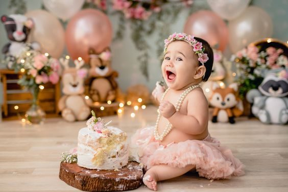 ژست تک عکس کودک با کیک تولد