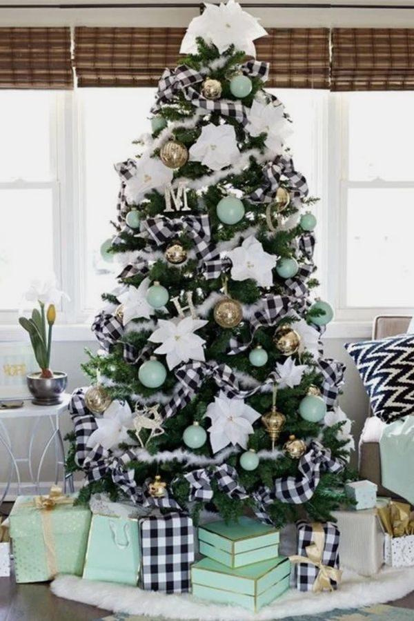 تزیین درخت کریسمس شیک با وسایل ساده