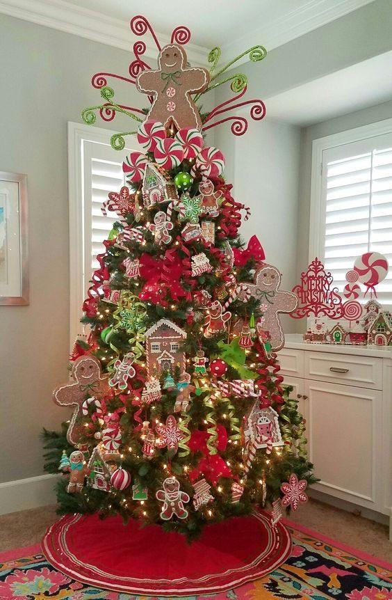 تزیین درخت کریسمس شیک و ساده