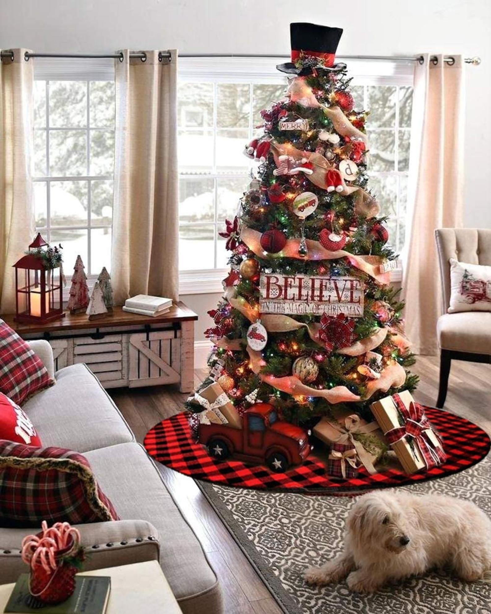 تزیین درخت کریسمس در خانه با وسایل ساده