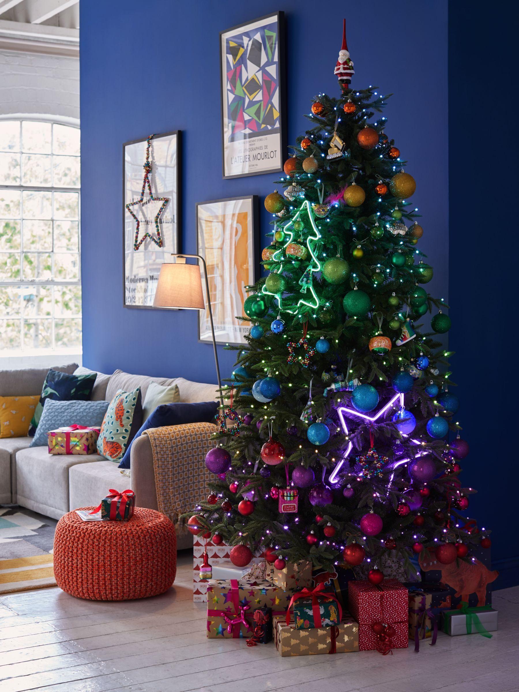 تزیین درخت کریسمس 2021 با وسایل ساده