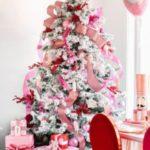 مدل ساده تزیین درخت کریسمس در خانه