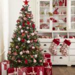 مدل تزیین درخت کریسمس ساده 2021