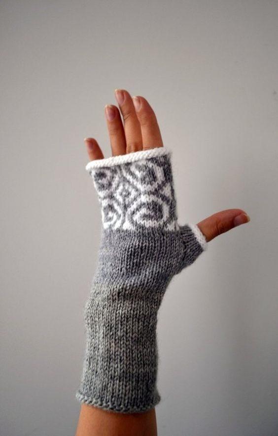 ساق دست بافتنی دخترانه سفید طوسی