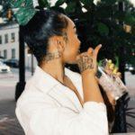 تاتو های زیبا گردن دخترانه