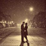 عکس برفی عاشقانه در شب برای استوری
