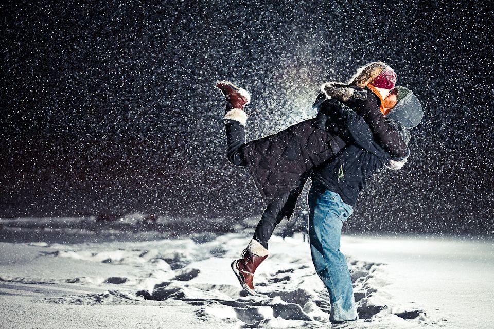 عکس عاشقانه برفی در شب برای پروفایل
