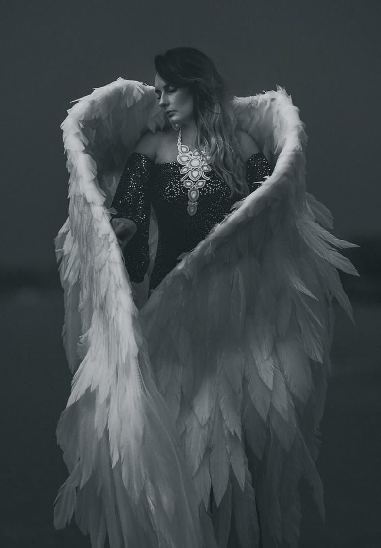 دختری با بال فرشته