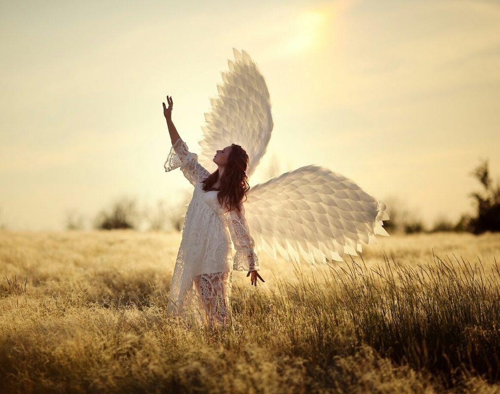 عکس دختر با بال های فرشته