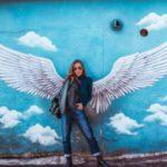 دختر با بال های فرشته برای پروفایل