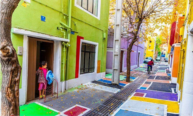 کوچه رنگارنگ تهران