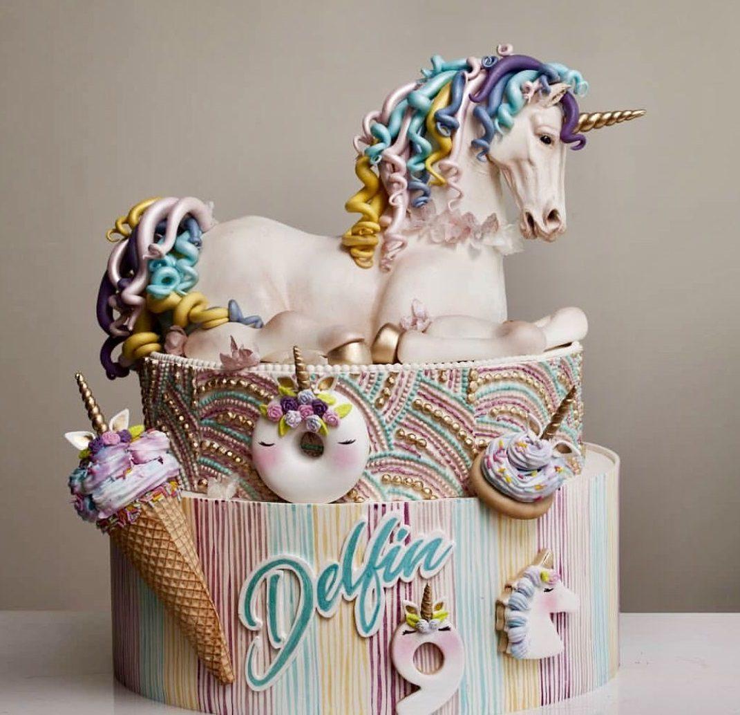 عکس کیک تولد تم یونیکورن